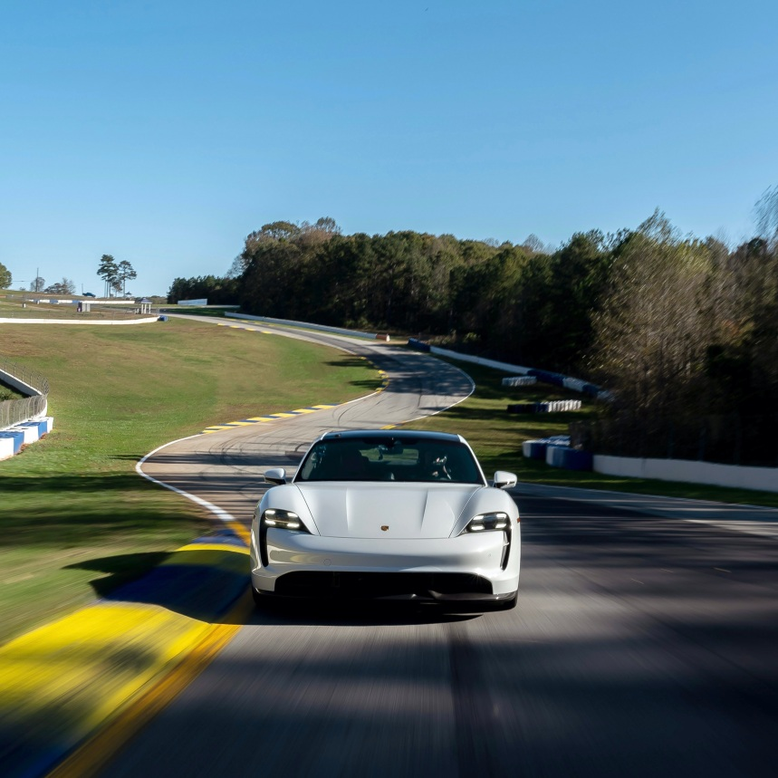 Porsche Taycan Turbo S en Road Atlanta